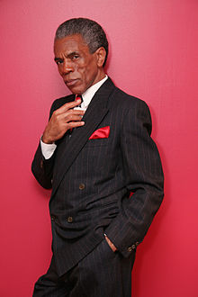 220px-Andre_De_Shields_in_NY2009_photo_by_Lia_Chang